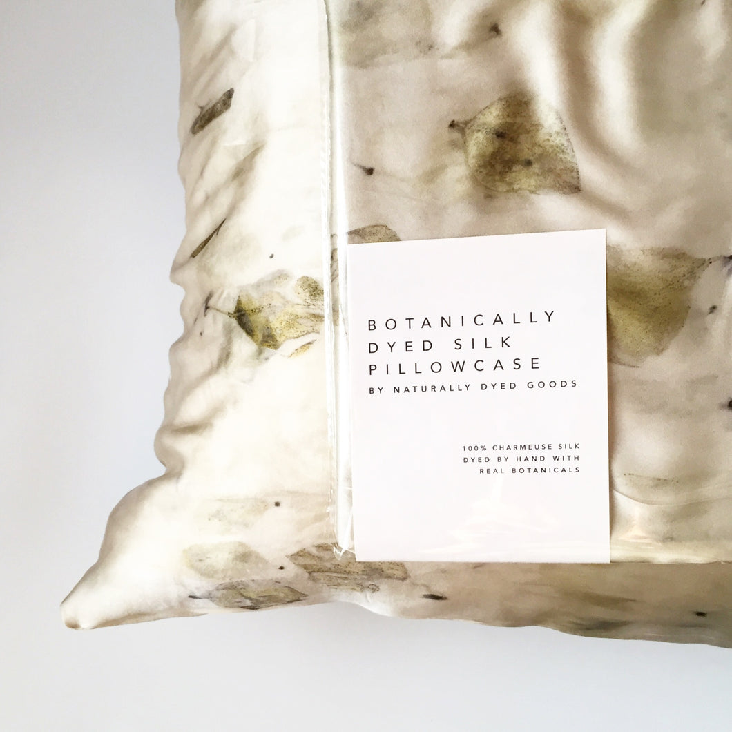 Set of 2 Eucalyptus-Dyed Silk Pillow Cases