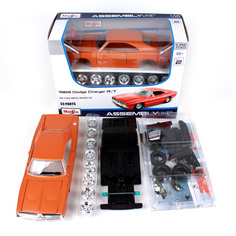 Maisto 1:24 1969 Dodge Charger R/T Diecast Model