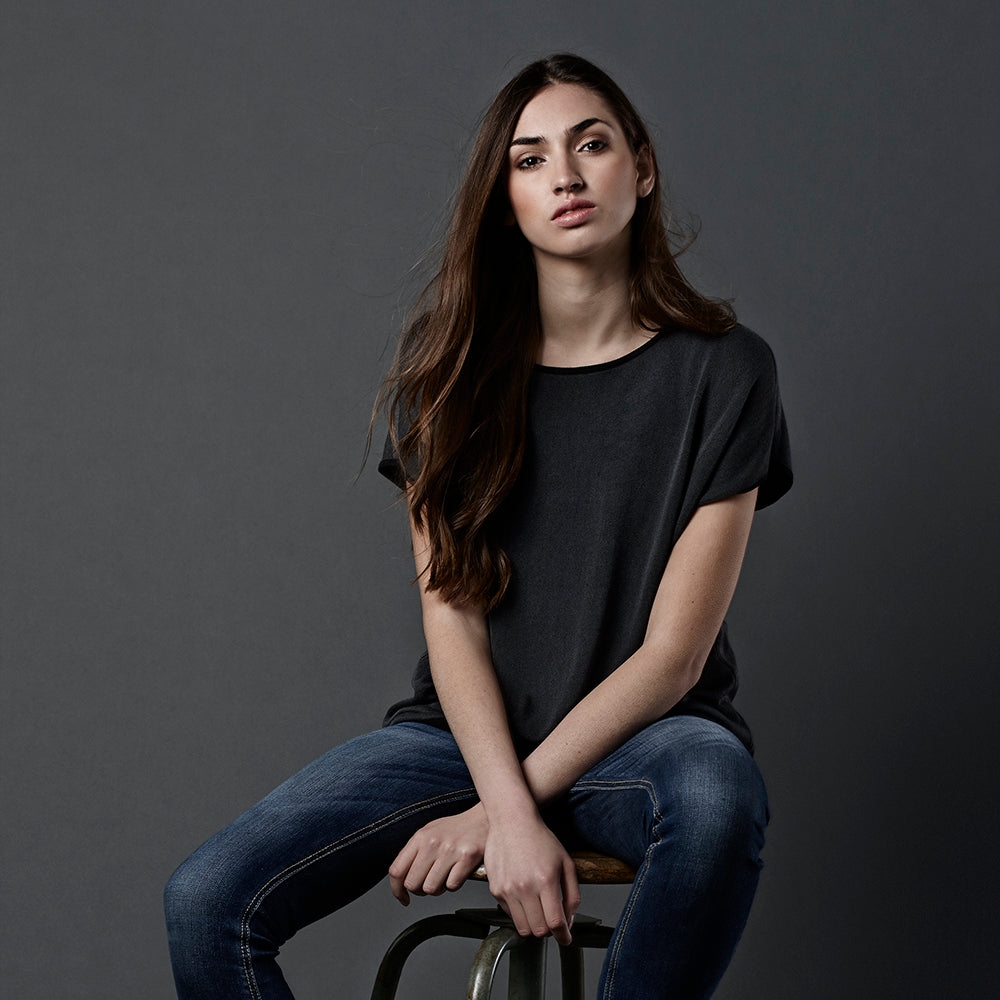 freya black and charcoal tee