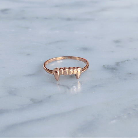 Gold Fang Ring