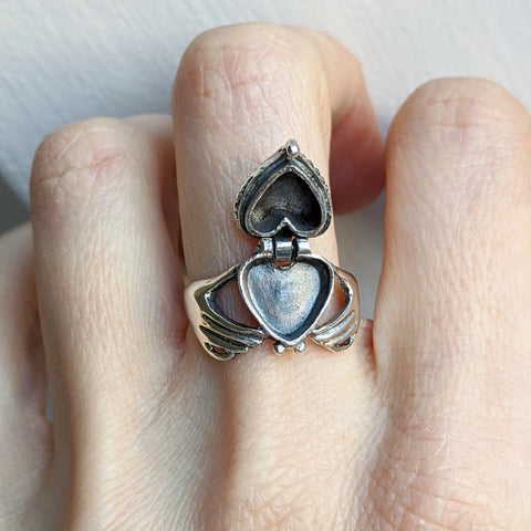 Claddagh Poison Ring