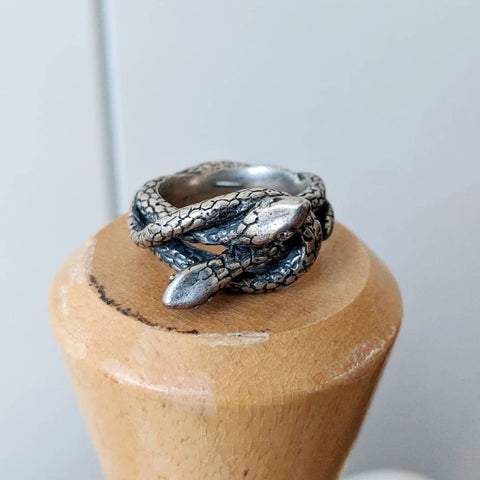 Immediate shipping Eternal Love Serpent Ring Size 6