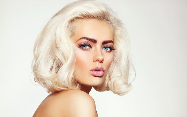 Professional & Natural Ways To Bleach Your Hair Without Damage