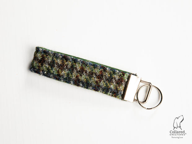 Collared Creatures Autumn Houndstooth Harris Tweed Keyring
