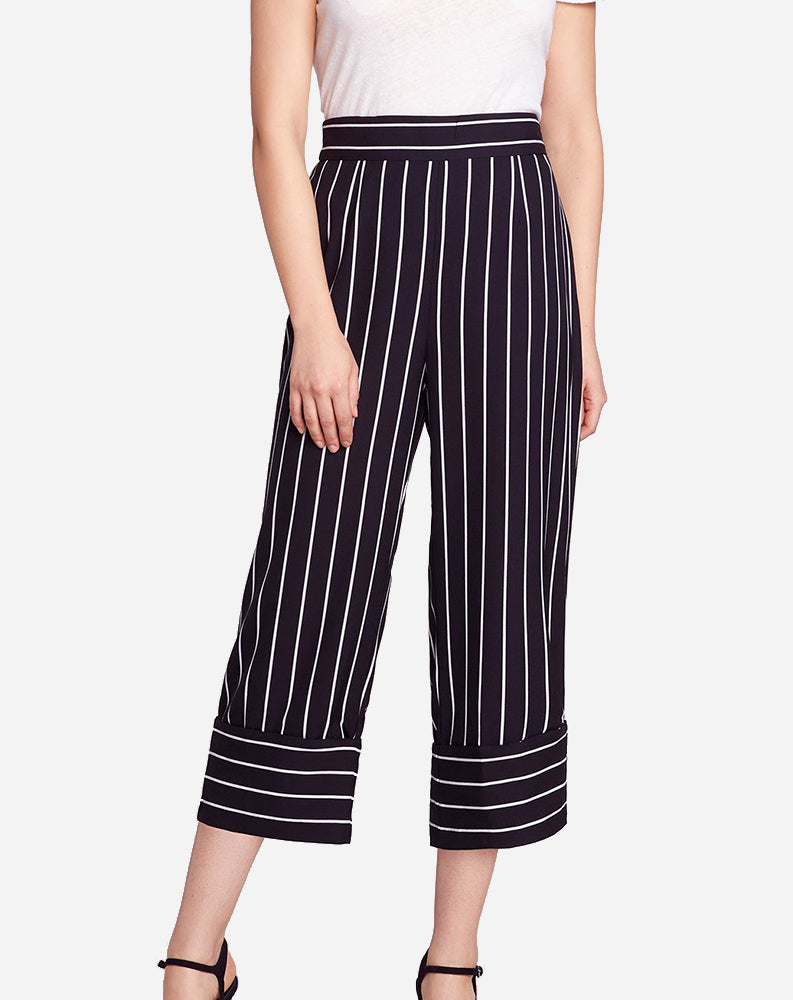 Skip The Lines Pant in Black