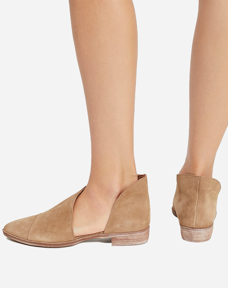 Royale Flat in Beige Suede