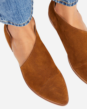 Royale Flat in Cocoa Suede