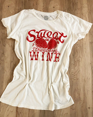 Strawberry Wine Tee in White/Red