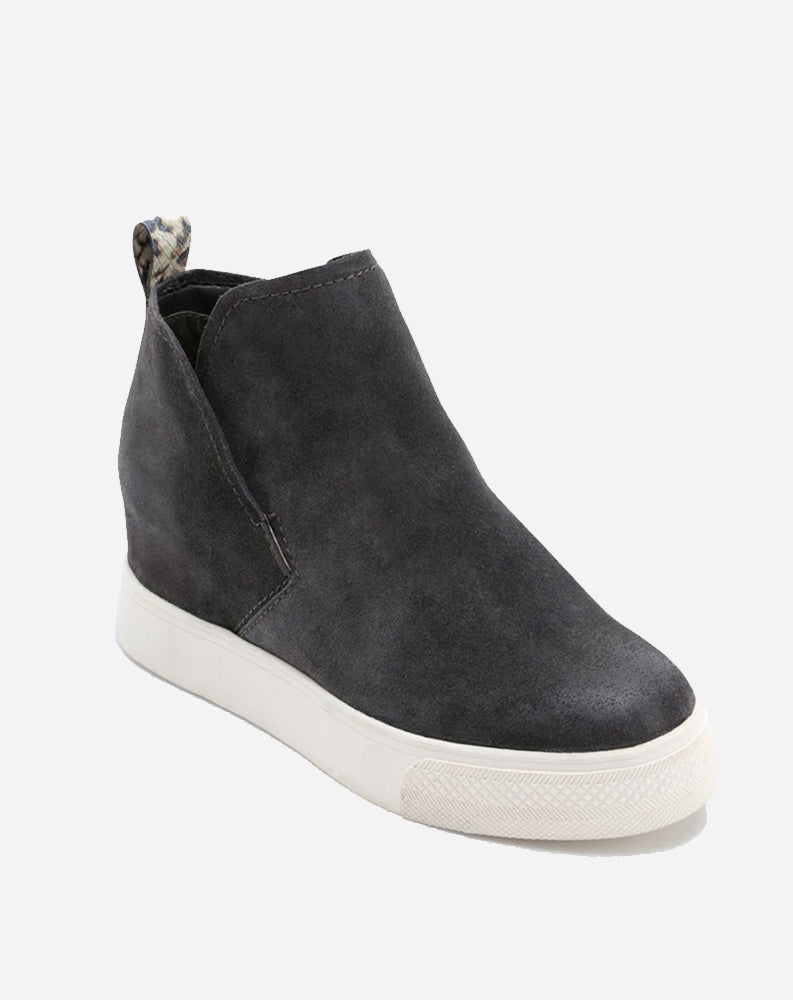 Walker Sneaker in Anthracite Suede