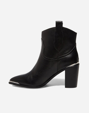 Zora Boot in Black Leather