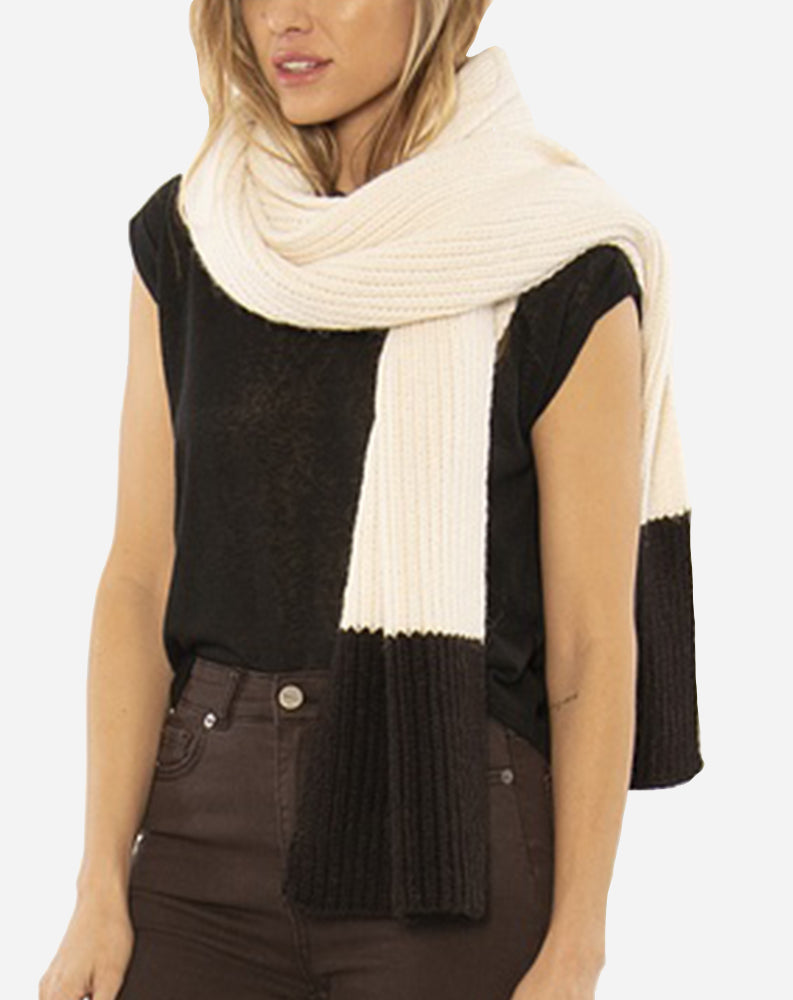 Cozy Up Knit Scarf in Cream/Black