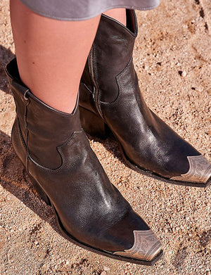 Brayden Western Boot in Black