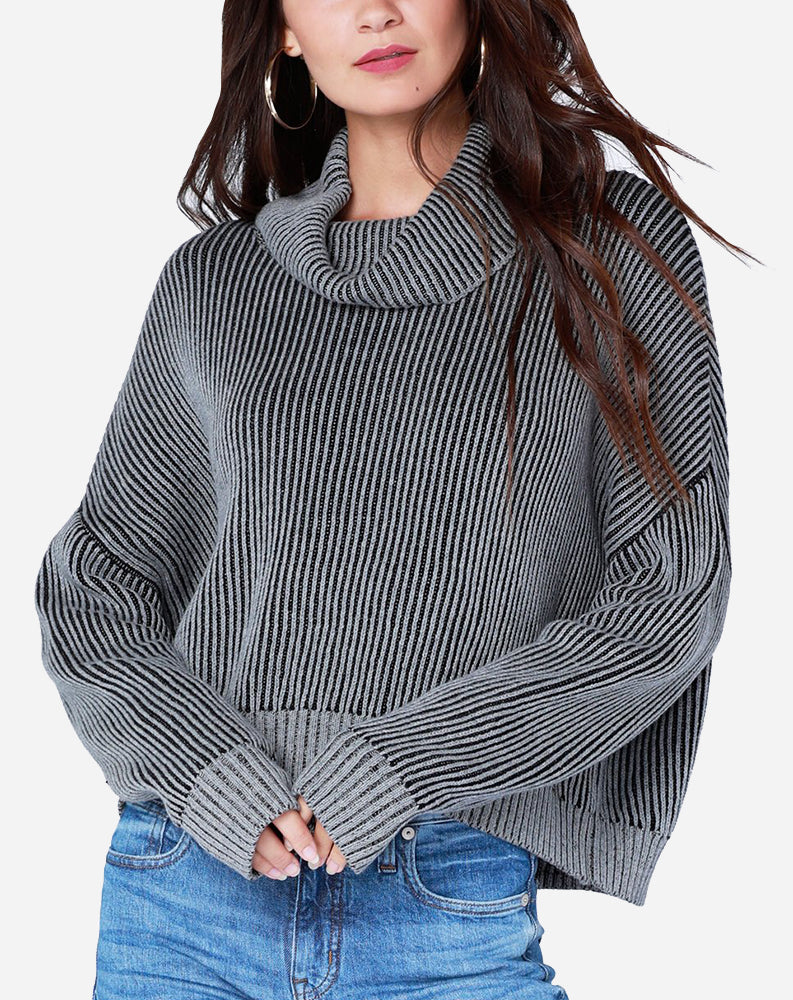 Plaited Turtle Neck Sweater in Heather Grey