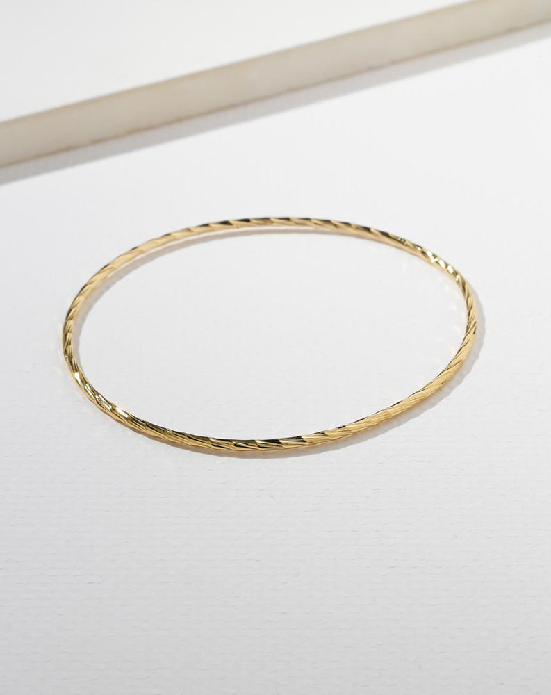 The Flair Bangle in Gold