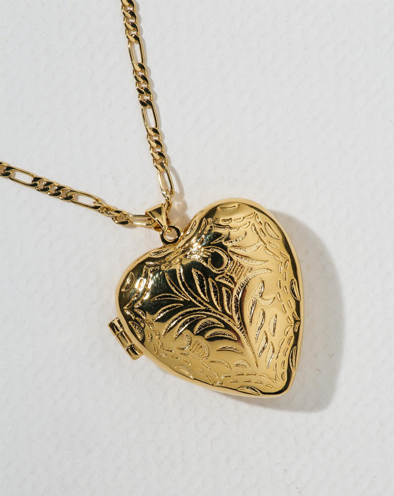 The Large Heart Locket in Gold