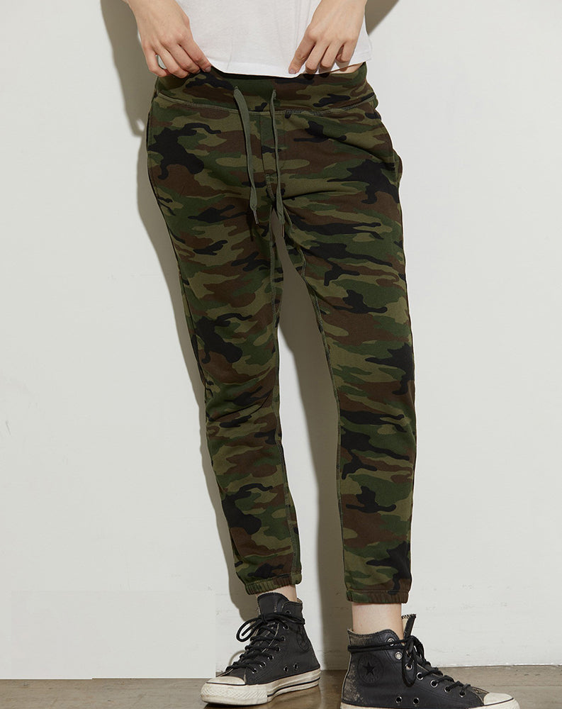 Sayde Slouchy Sweatpant in Deep Olive Camo