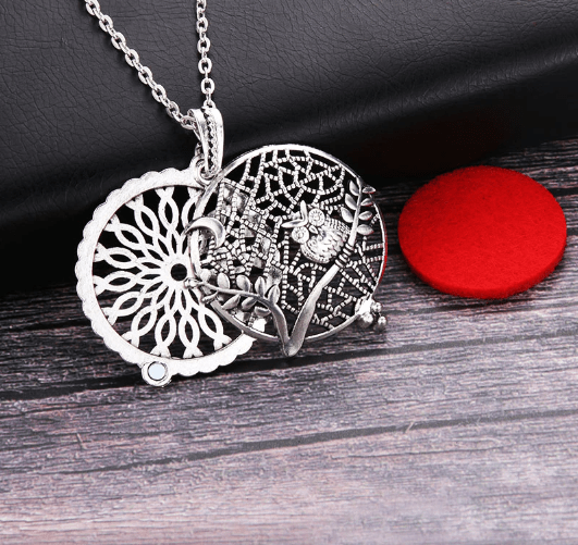 Why Are Aromatherapy Necklaces Better Than Diffusers?