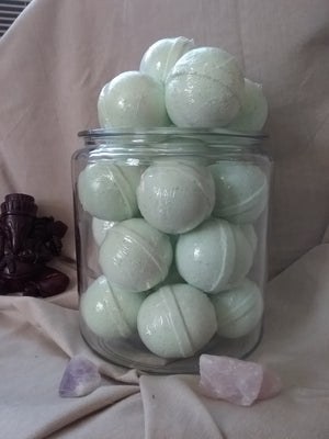 Breathe easy aromatherapy bath bomb Eucalyptus