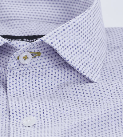 Placket view of men's dobby white casual shirt with blue pattern
