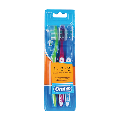 Oral B 123 Toothbrush Medium 3 Pack in UK