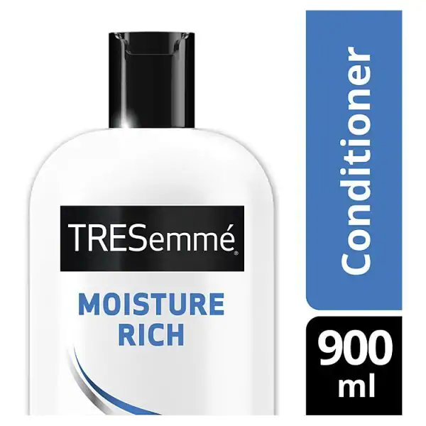 TRESemmé Moisture Rich Luxurious Moisture Conditioner 900ml in UK