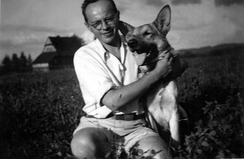 Stanislaw Len in 1955 with his dog Radza