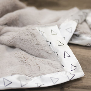 Saranoni Satin Border Blanket Shapes