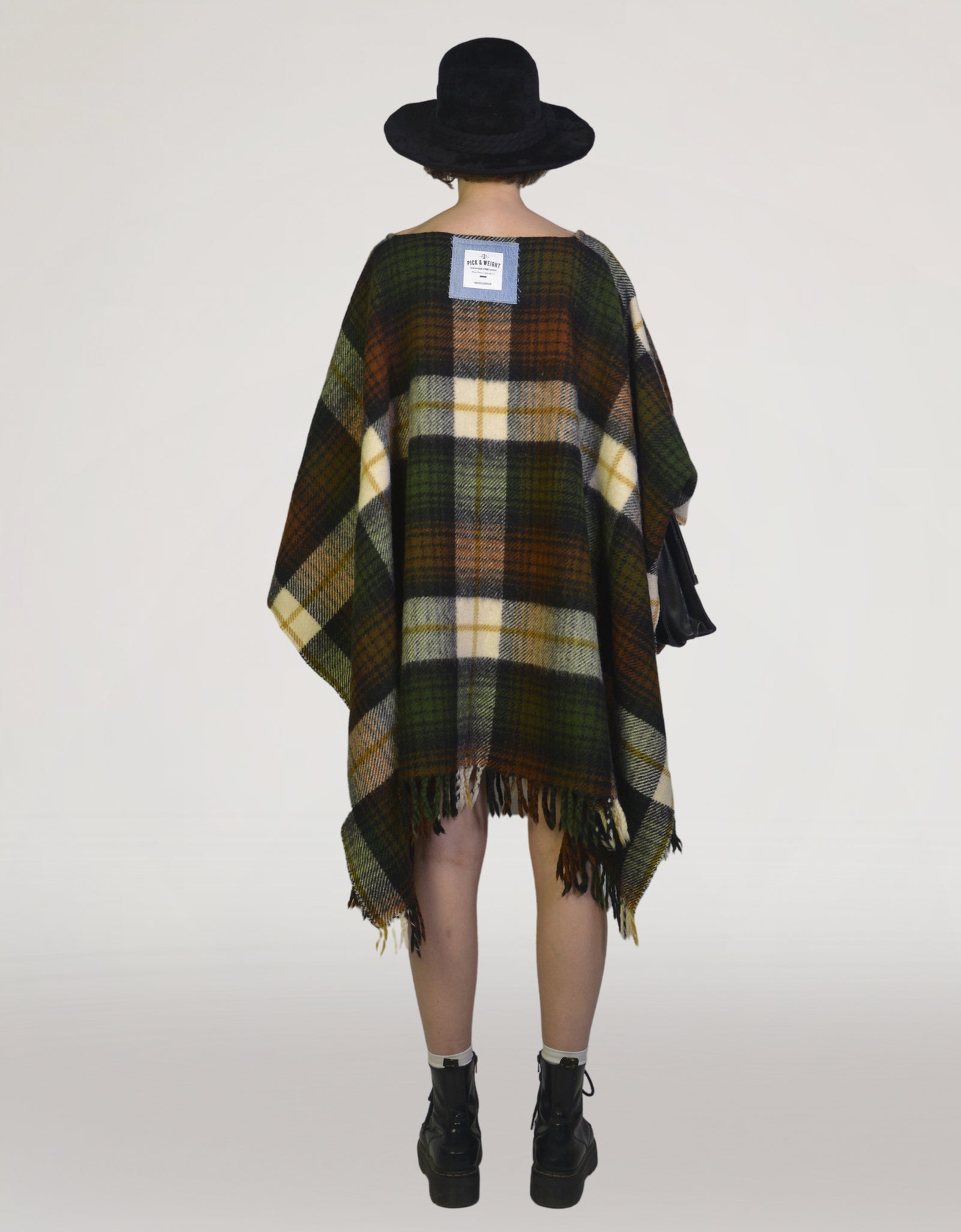 PNW (RE)COLLECTION Cape - PICKNWEIGHT - VINTAGE KILO STORE