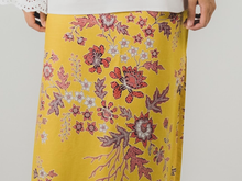 Load image into Gallery viewer, Wrap skirt in Nyonya (PROMO)