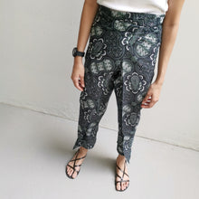 Load image into Gallery viewer, Crop wrap pants
