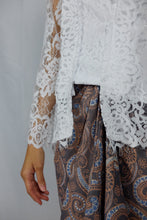 Load image into Gallery viewer, Kebaya lace - White