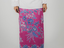 Load image into Gallery viewer, Wrap skirt in Nyonya