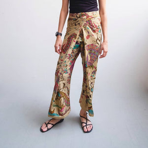 Crop wrap pants in Merak - Purple & Pink
