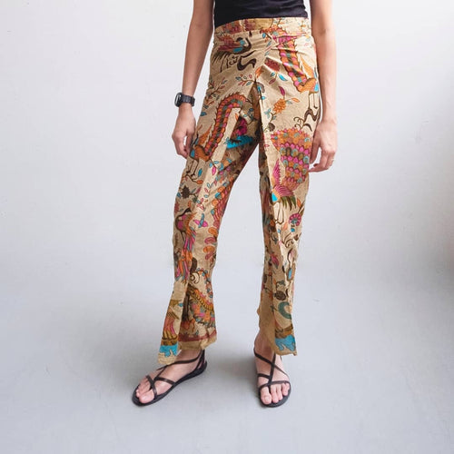 Crop wrap pants in Merak - Pink & Orange