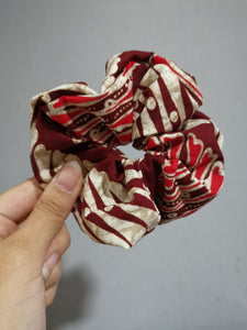 Scrunchie - Parang red
