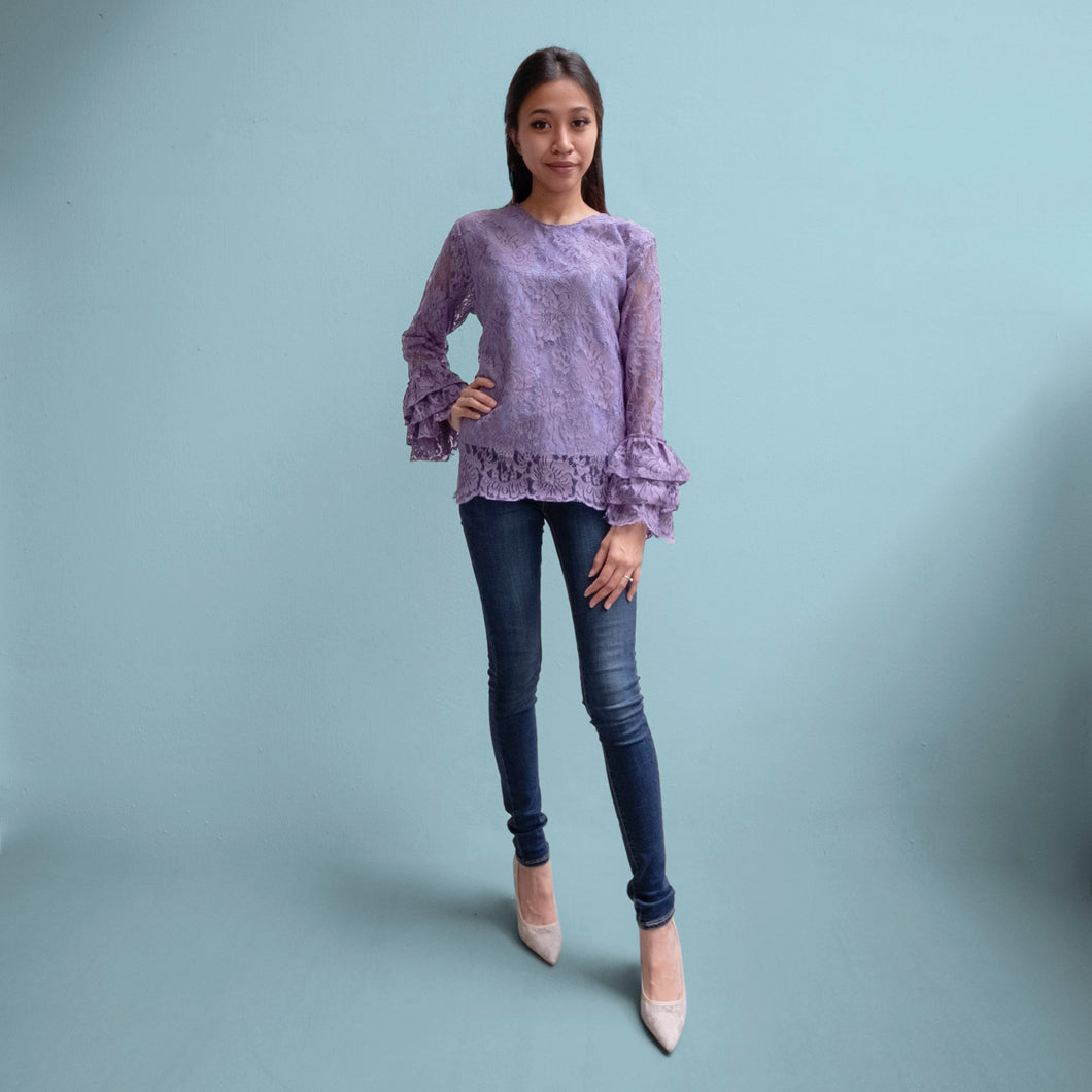 Lace ruffled blouse - Rapunzel