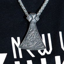 Load image into Gallery viewer, Engraved Mammen Pendant
