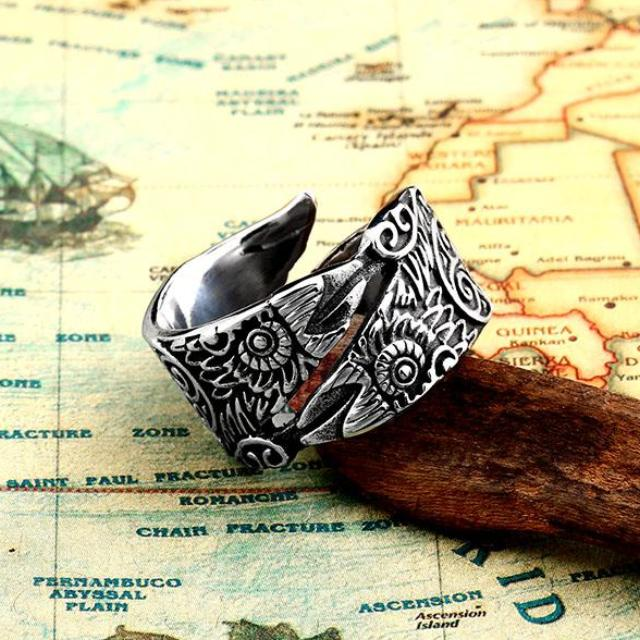 Adjustable Raven Ring