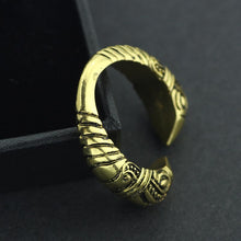 Load image into Gallery viewer, Adjustable Raven Ring