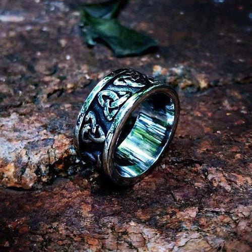 Simple Triquetra Ring