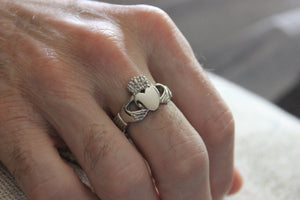 Claddagh Ring Men Women Stainless Steel Heart Irish Celtic Rings Wedding Engagement Jewelry Unique Gift for Him