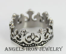 Load image into Gallery viewer, Kings Crown Ring Men Stainless Steel Band Unique Kings Silver Rings Jewelry Thick Solid Bands Wedding Gift for Him