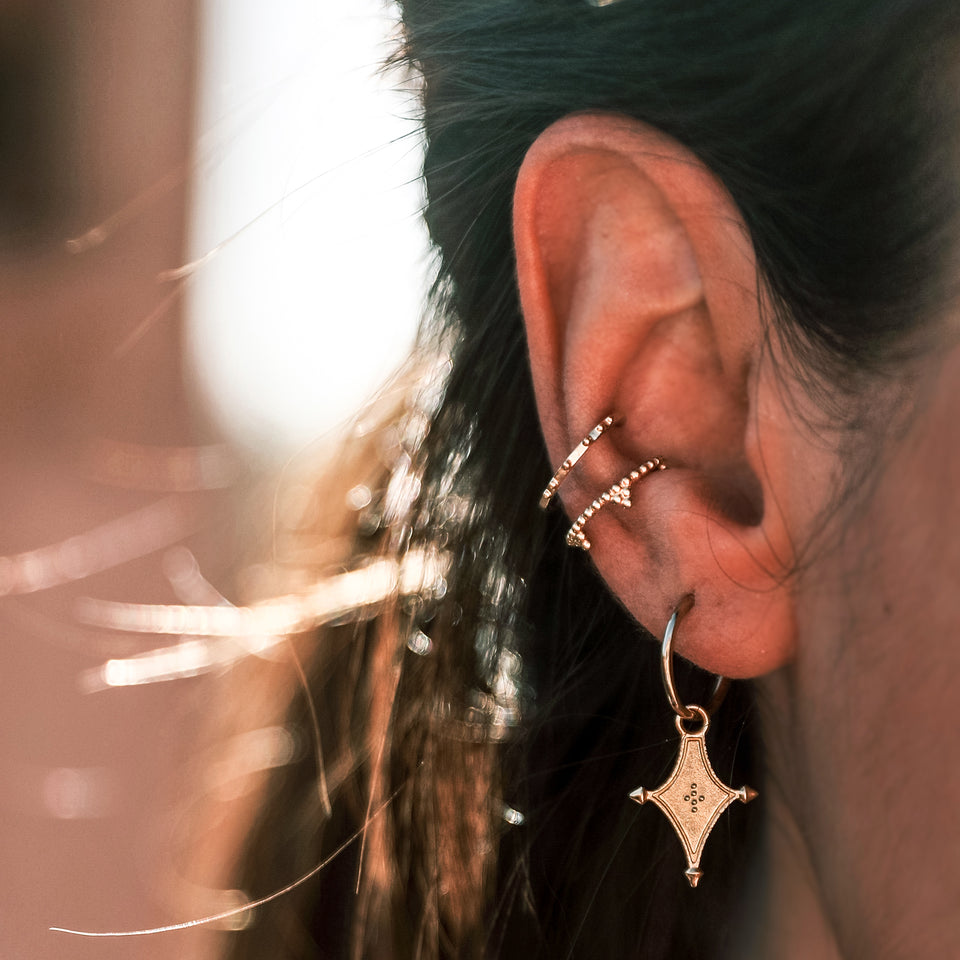 collections/worn_Indina-earcuff_01.jpg