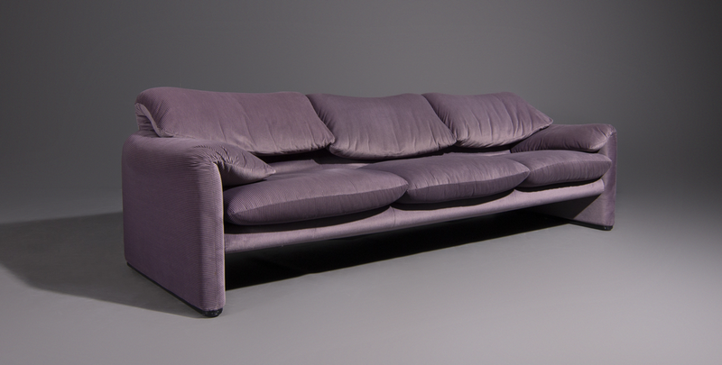Maralunga Sofa by Vico Magistretti for Cassina in Original Upholstery, 1970s, Italy