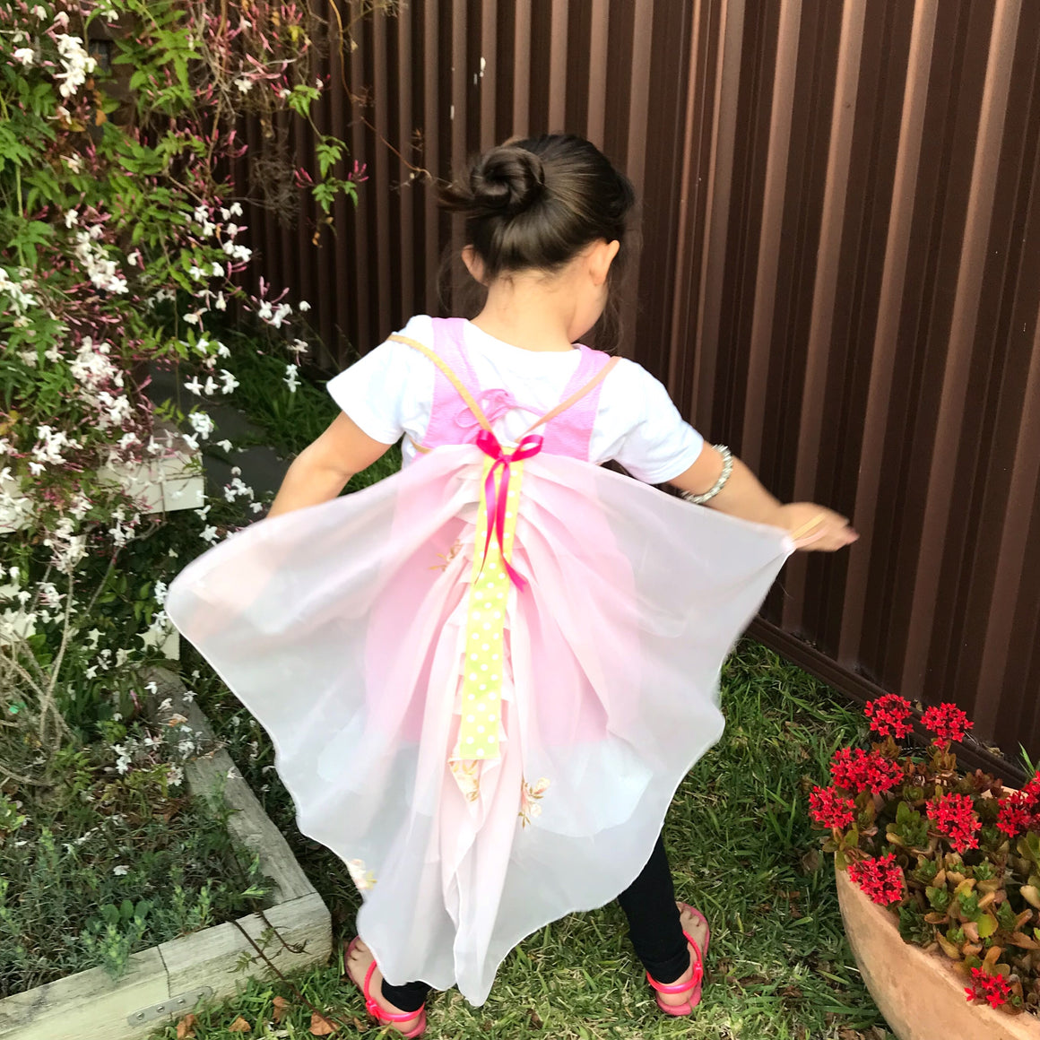 SIZE 2-3 PRETTY IN PINK FLUTTERBY WINGS