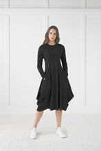 Load image into Gallery viewer, Black Back Pully Dress with Round Neck
