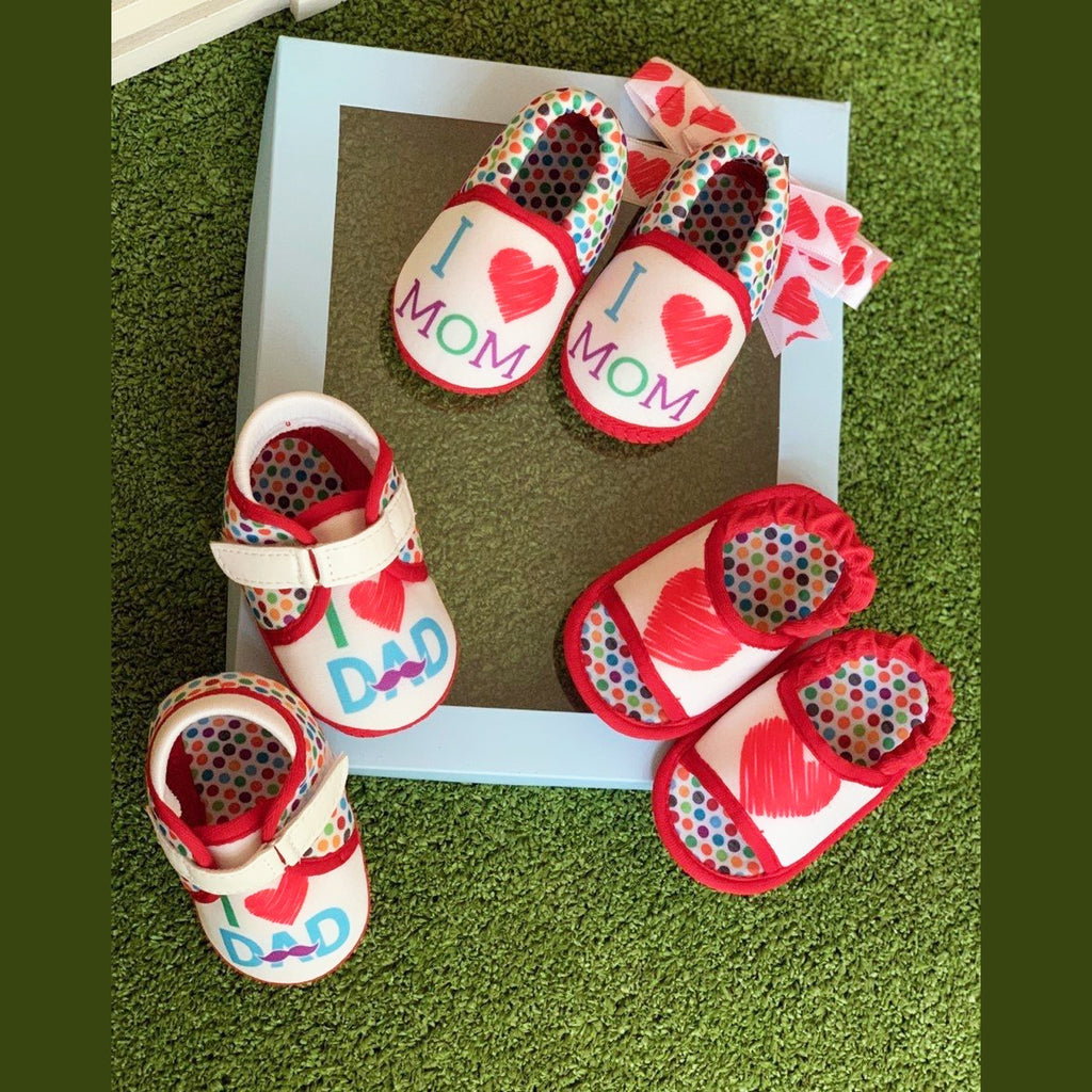 HUGS N KISSES UNISEX TOOTSIES COMBO - KazarMax Anti-Skid Breathable Soft & Comfortable Red White New Born Baby Booties