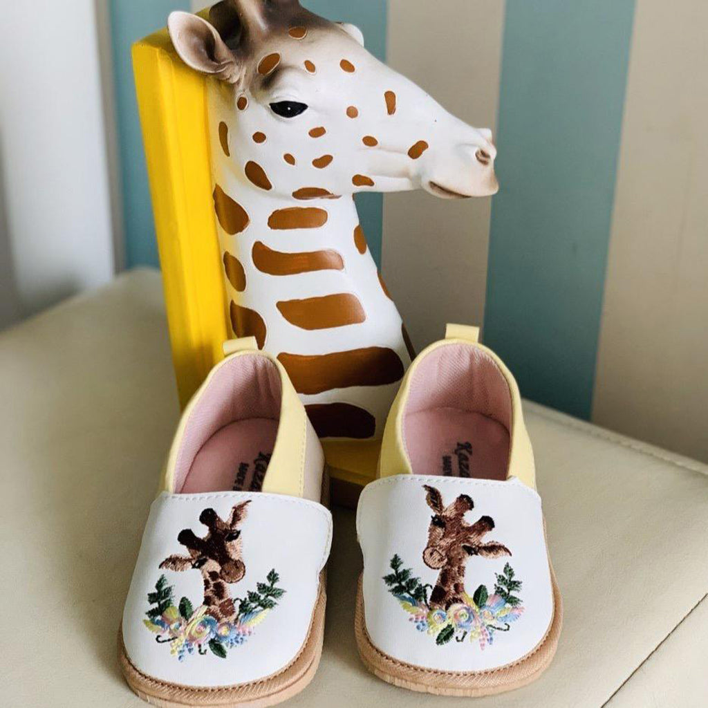 GORDON TOOTSIES - KazarMax Anti-Skid Giraffe Embroidered Breathable Soft Comfortable White New Born Baby Boy & Girl Shoes/Booties