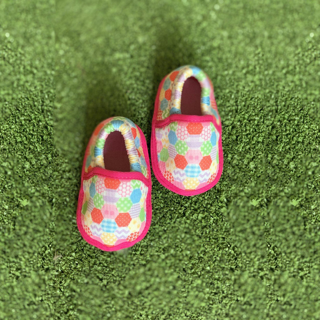 CHECKERED MOCC TOOTSIES - KazarMax Anti-Skid Breathable Soft Comfortable Pink Multicolour New Born Baby Girl Mocassin Shoes/Booties