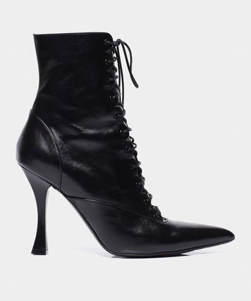 LACE UP BOOT BLACK